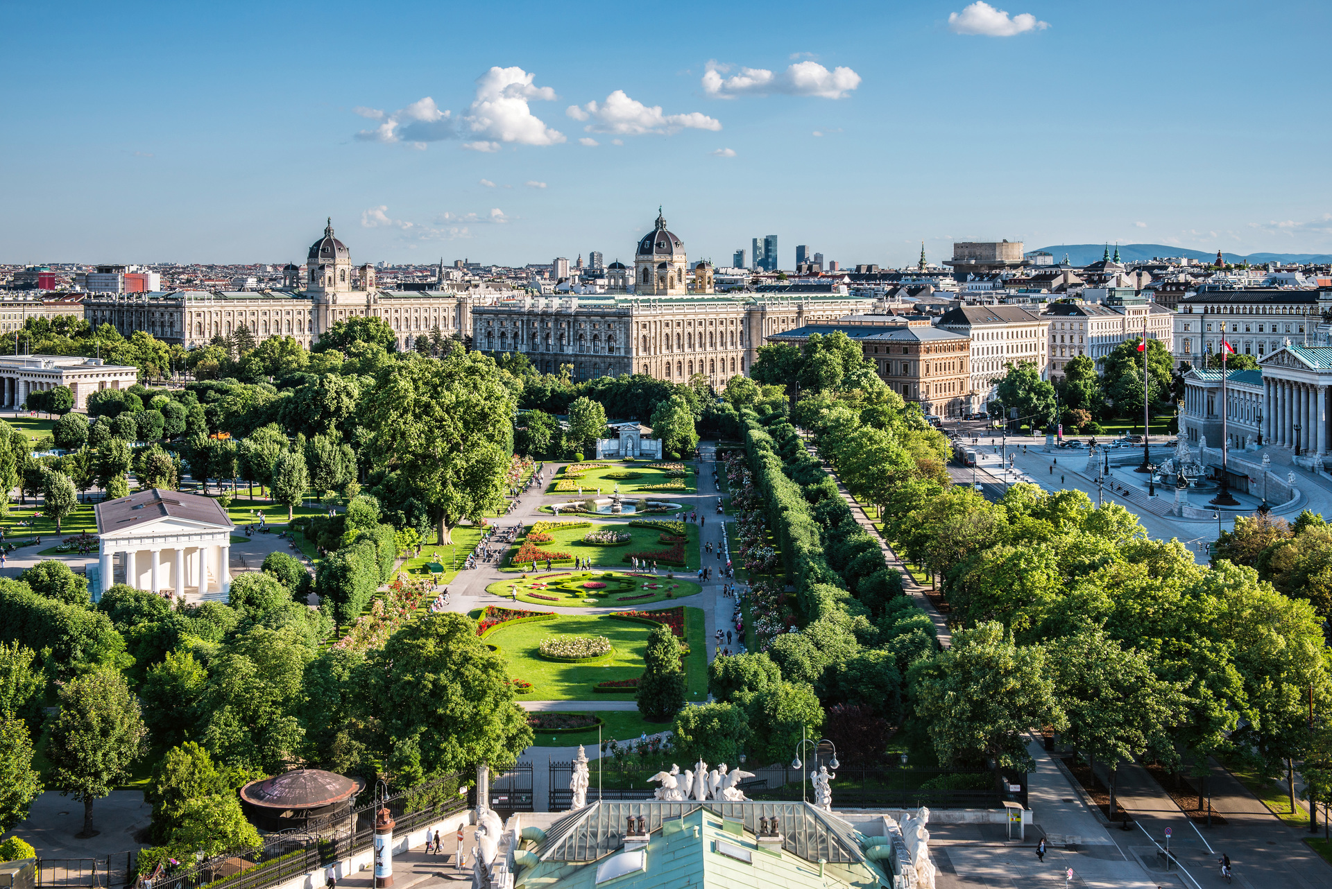 View over the Volksgarten Vienna (c) Wien Tourismus, Peter Rigaud.jpg