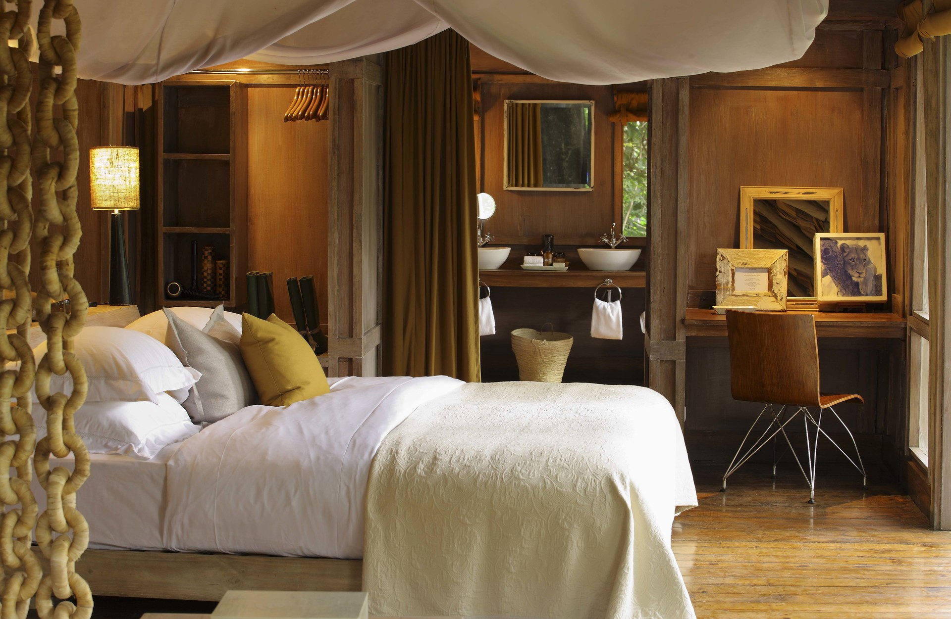 Manyara Tree Lodge 2014-15.jpg