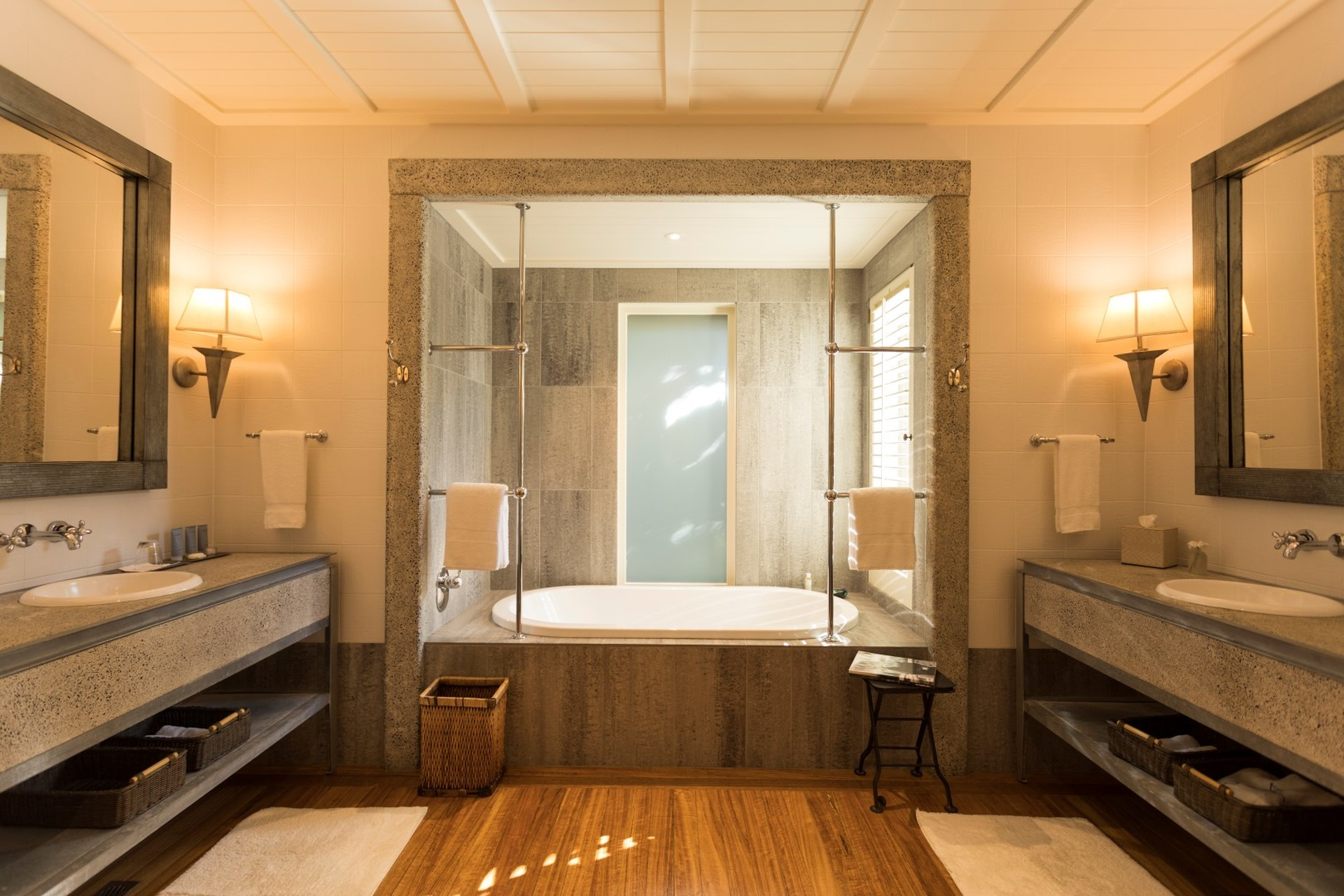 Kauri Cliffs Deluxe Suite Bathroom (Large).jpg