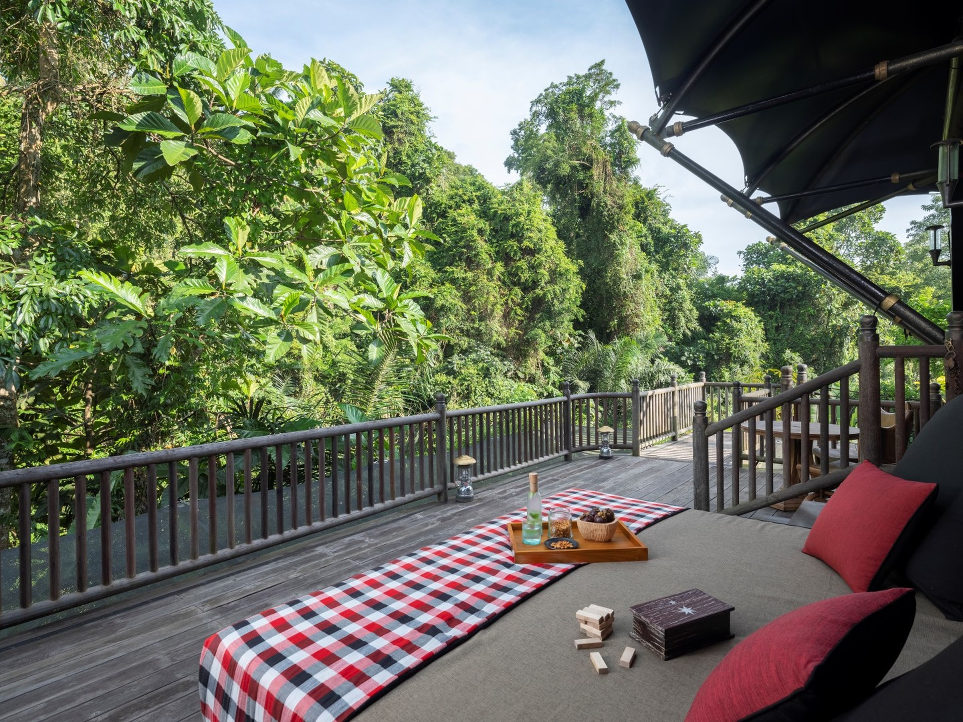 ubud-accommodation-River Tent-Deck-01 (Large).jpg